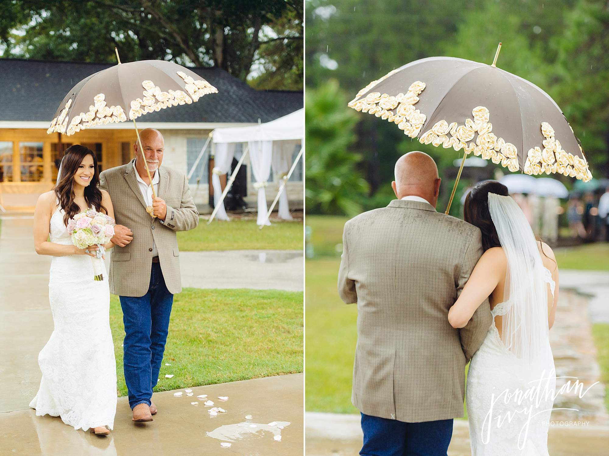 Outdoor-Tented-Wedding-in-the-Rain_0009