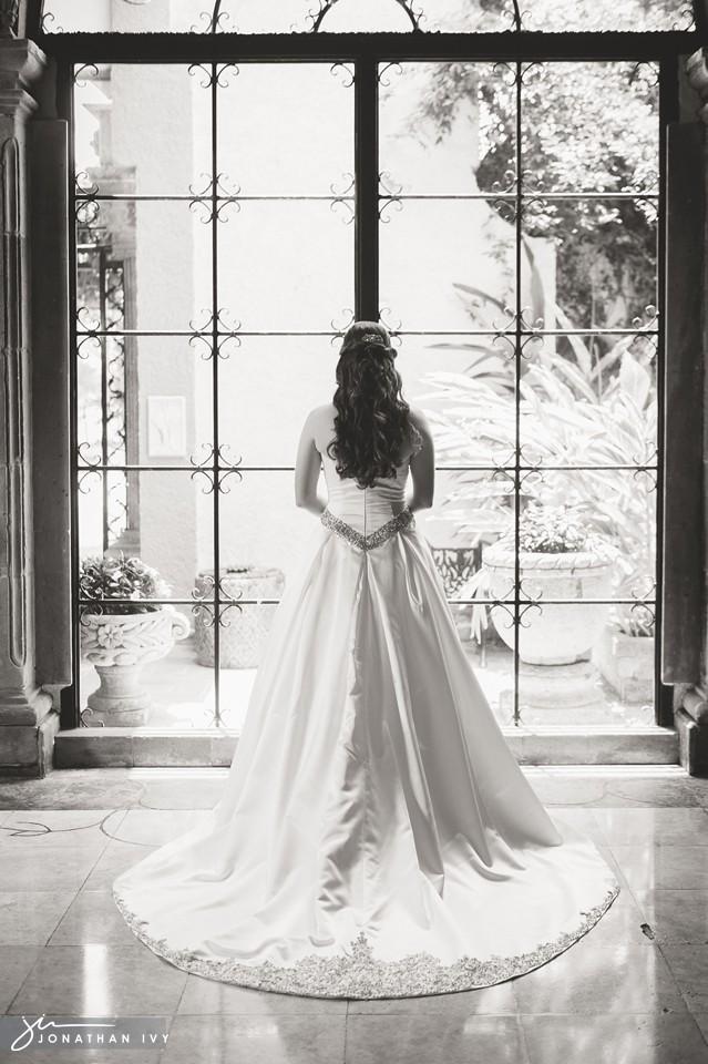 las-velas_bridals-houston_0001