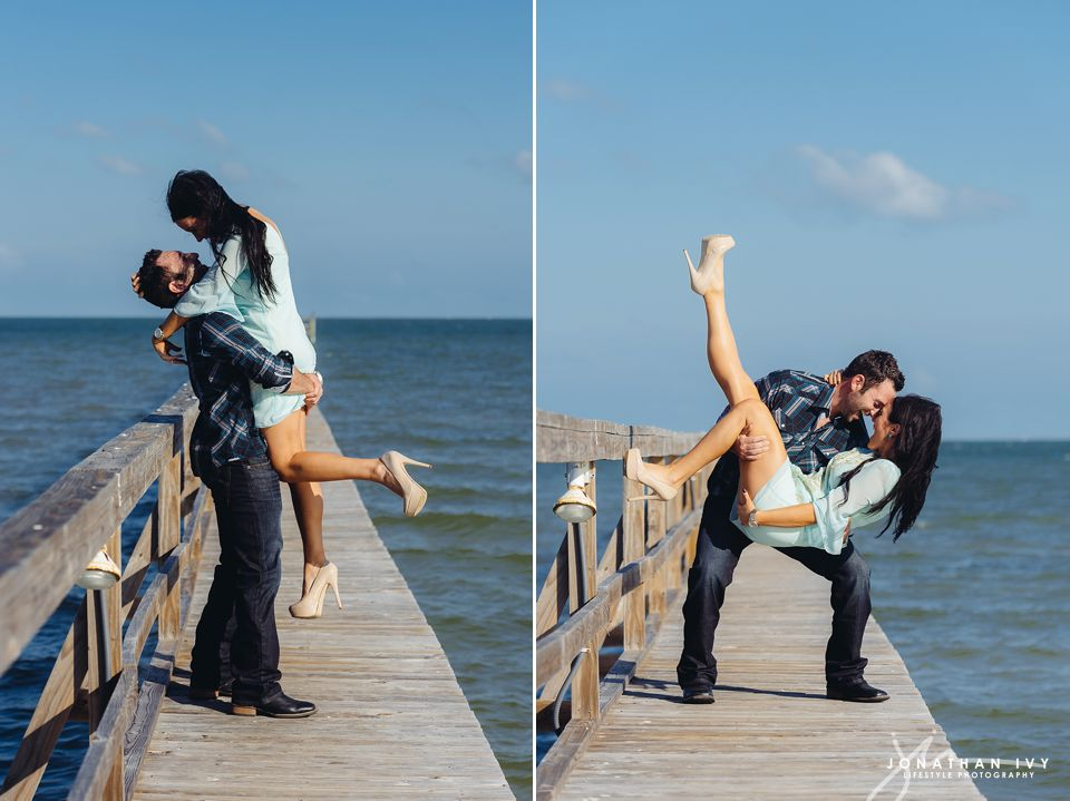 Coastal engagement in rockport texas amanda justin for Texas beach wedding packages