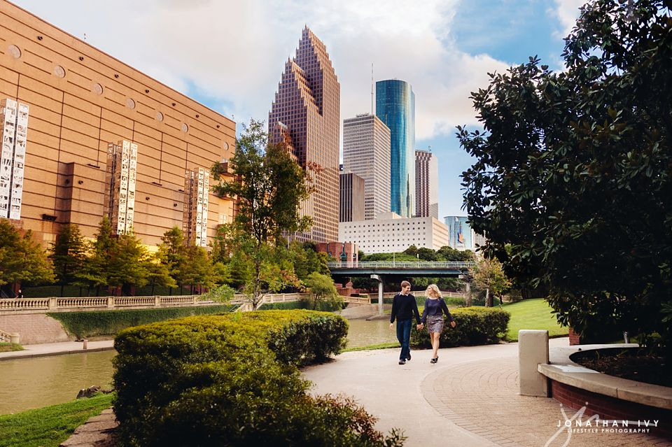 downtown-houston-engagement_0015.jpg