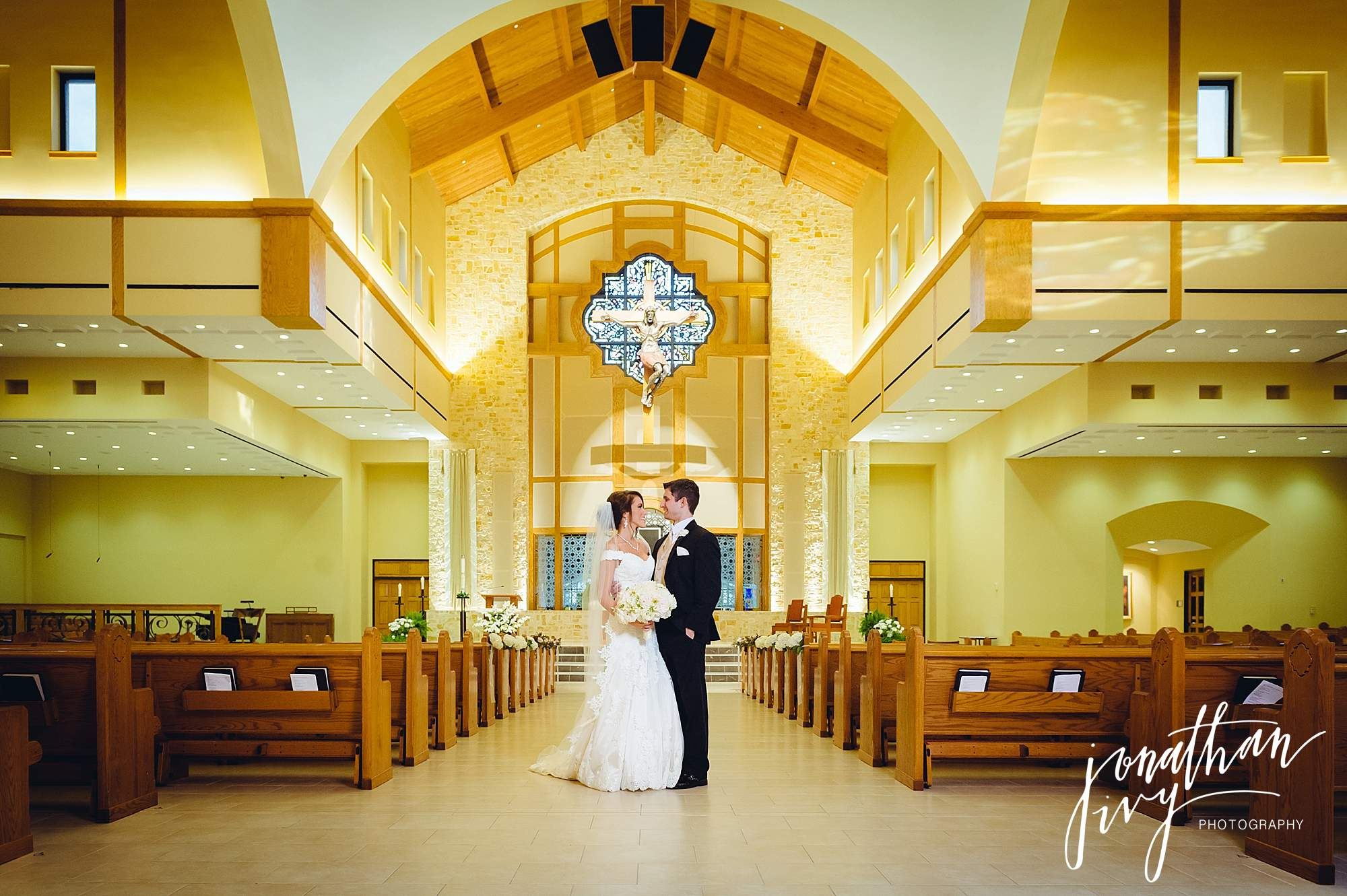 bride and groom Christ the Redeemer Catholic Church Houston