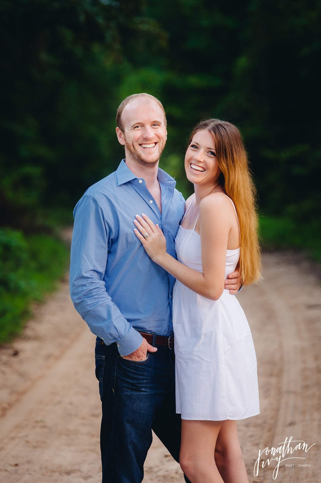 Country-rustic-engagement-photographer_0015.jpg