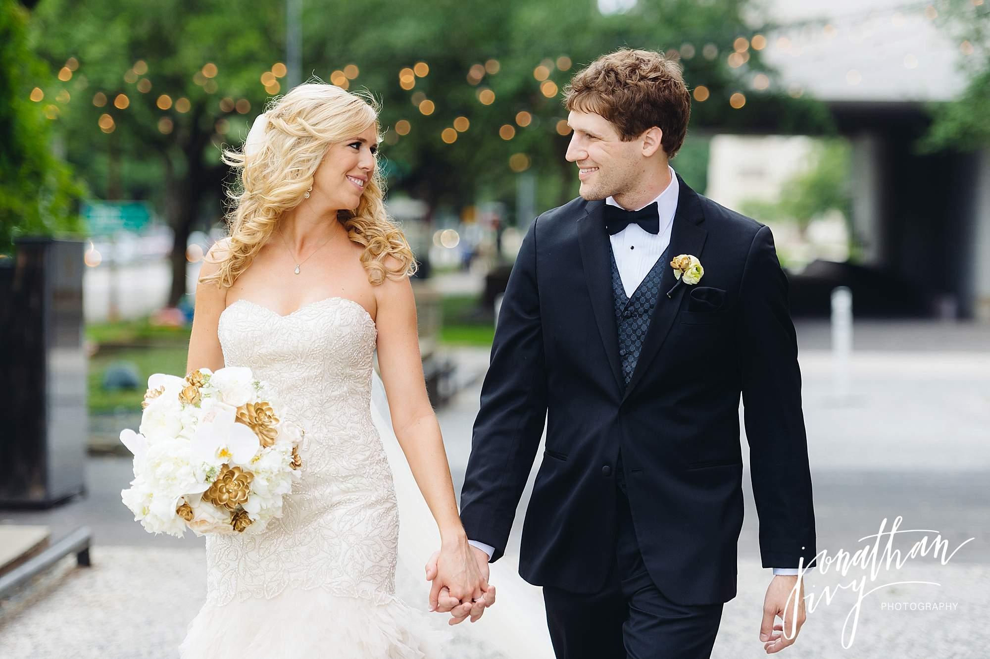 Hotel-Zaza-Houston-Wedding-Reception-0029.jpg