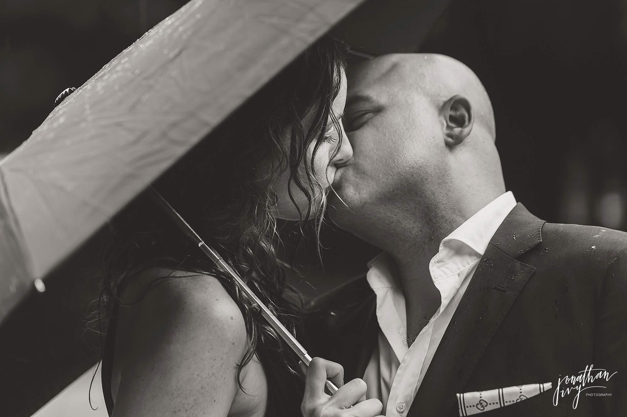 Romantic-Engagement-Photos-Houston_0008.jpg