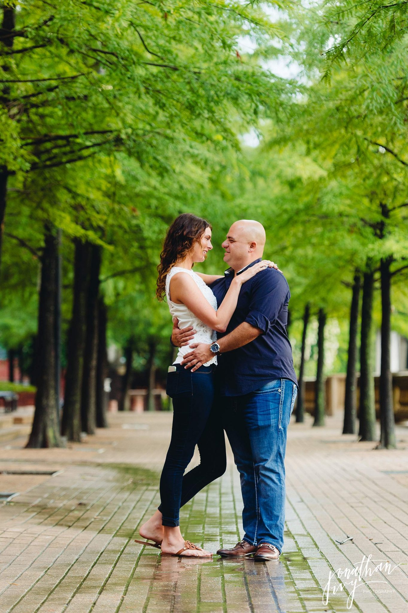 Romantic-Engagement-Photos-Houston_0011.jpg
