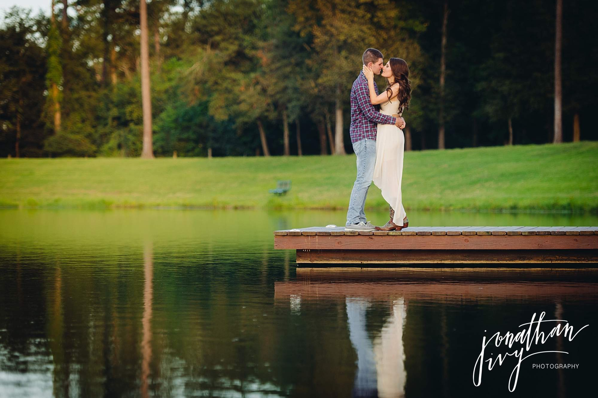 Lake engagement photos in the woodlands