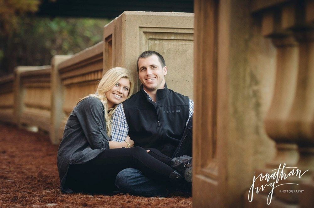fall color engagement photos in Houston