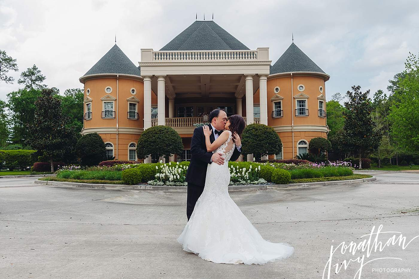 Chateau Polonez Wedding Portraits
