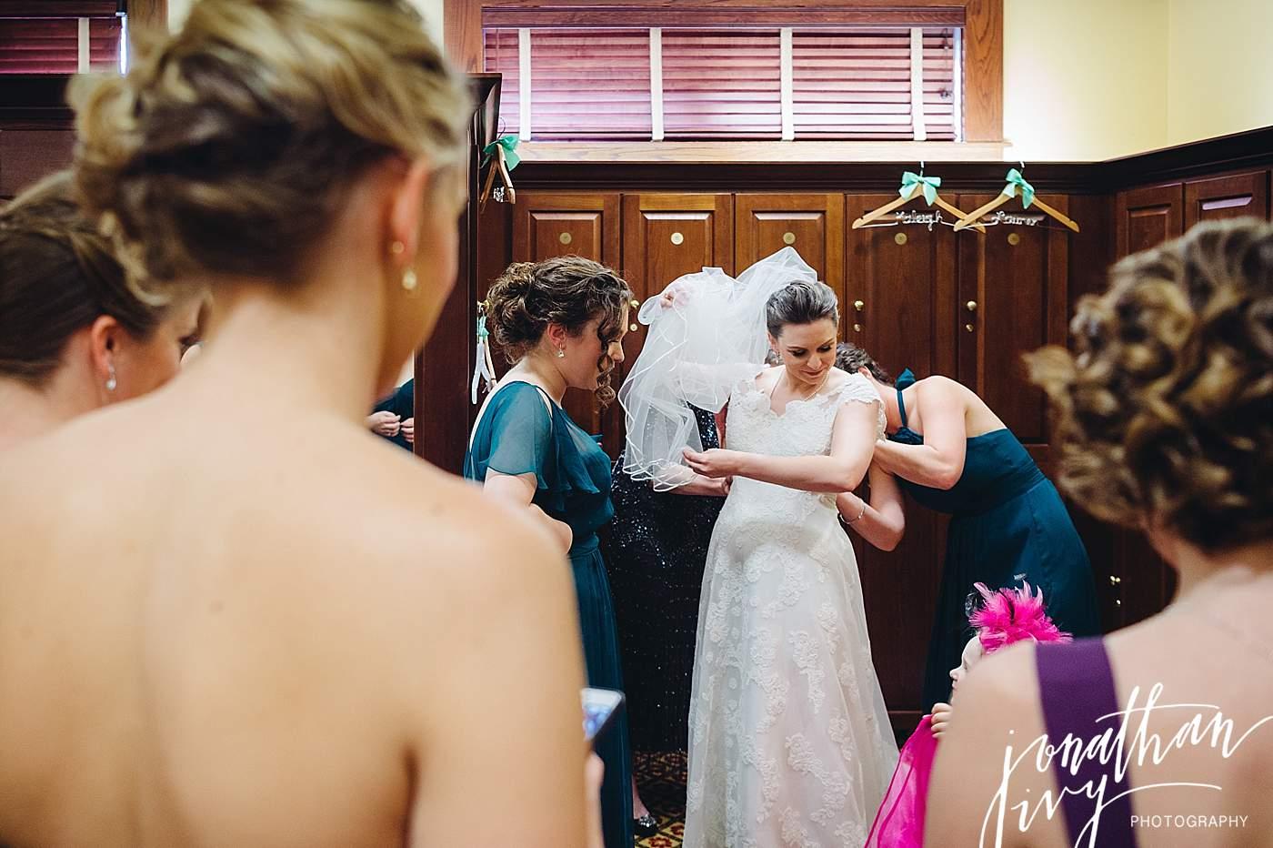 The_woodlands_country_club_wedding_0004.jpg