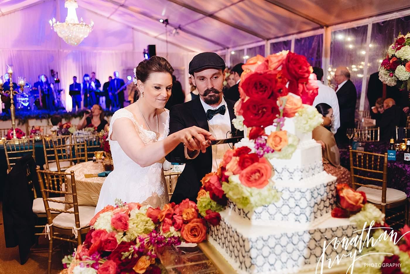 Flower draped wedding cake indeas