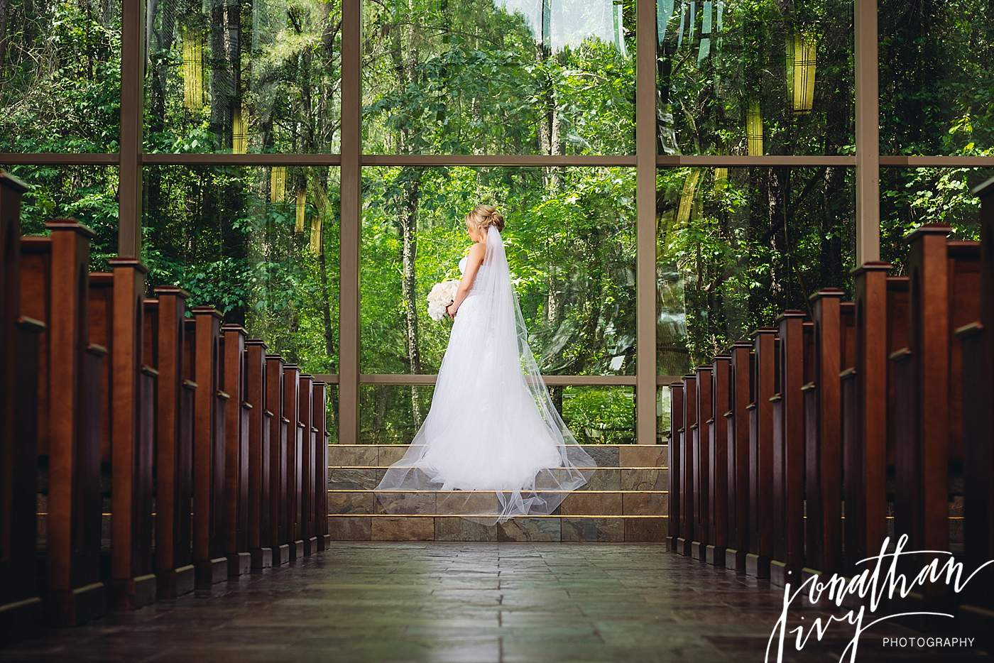 Chapel in The Woods The Woodlands Bridal