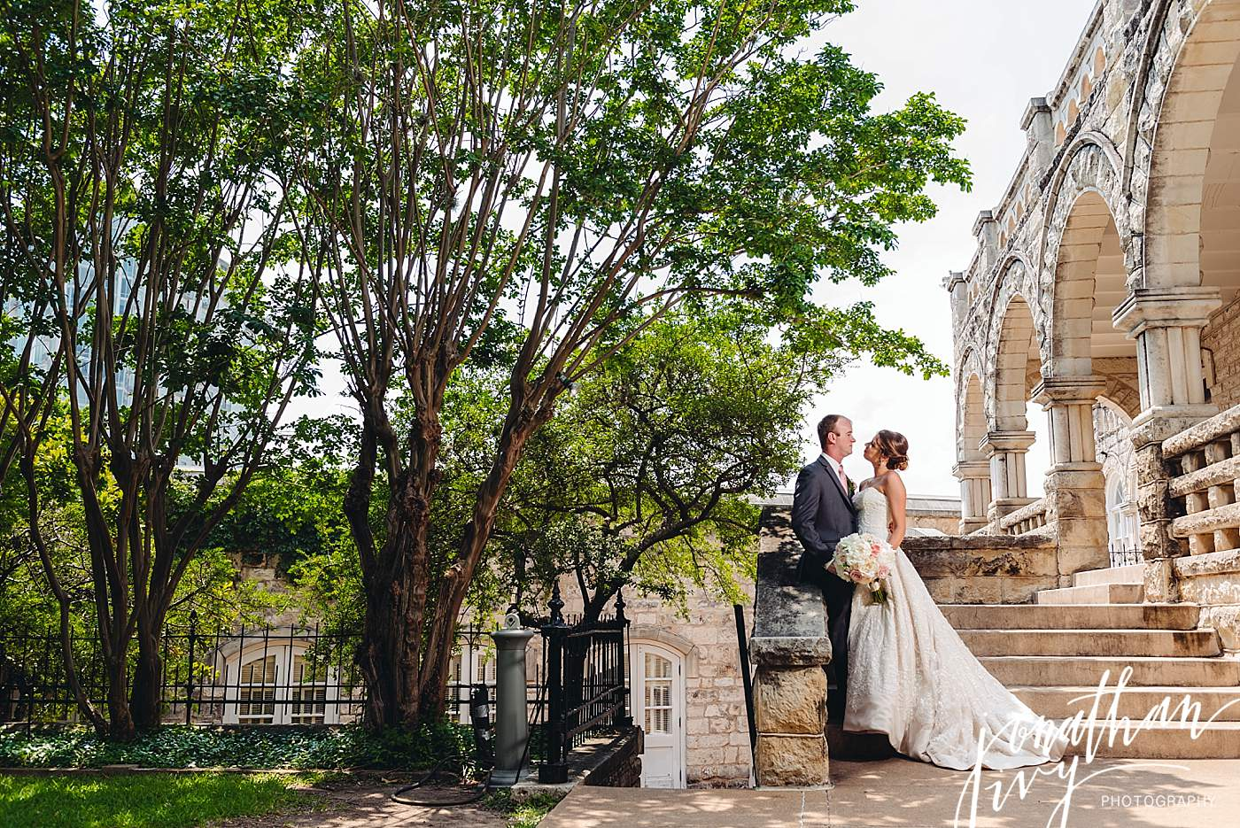 Chateau Bellevue Austin Wedding