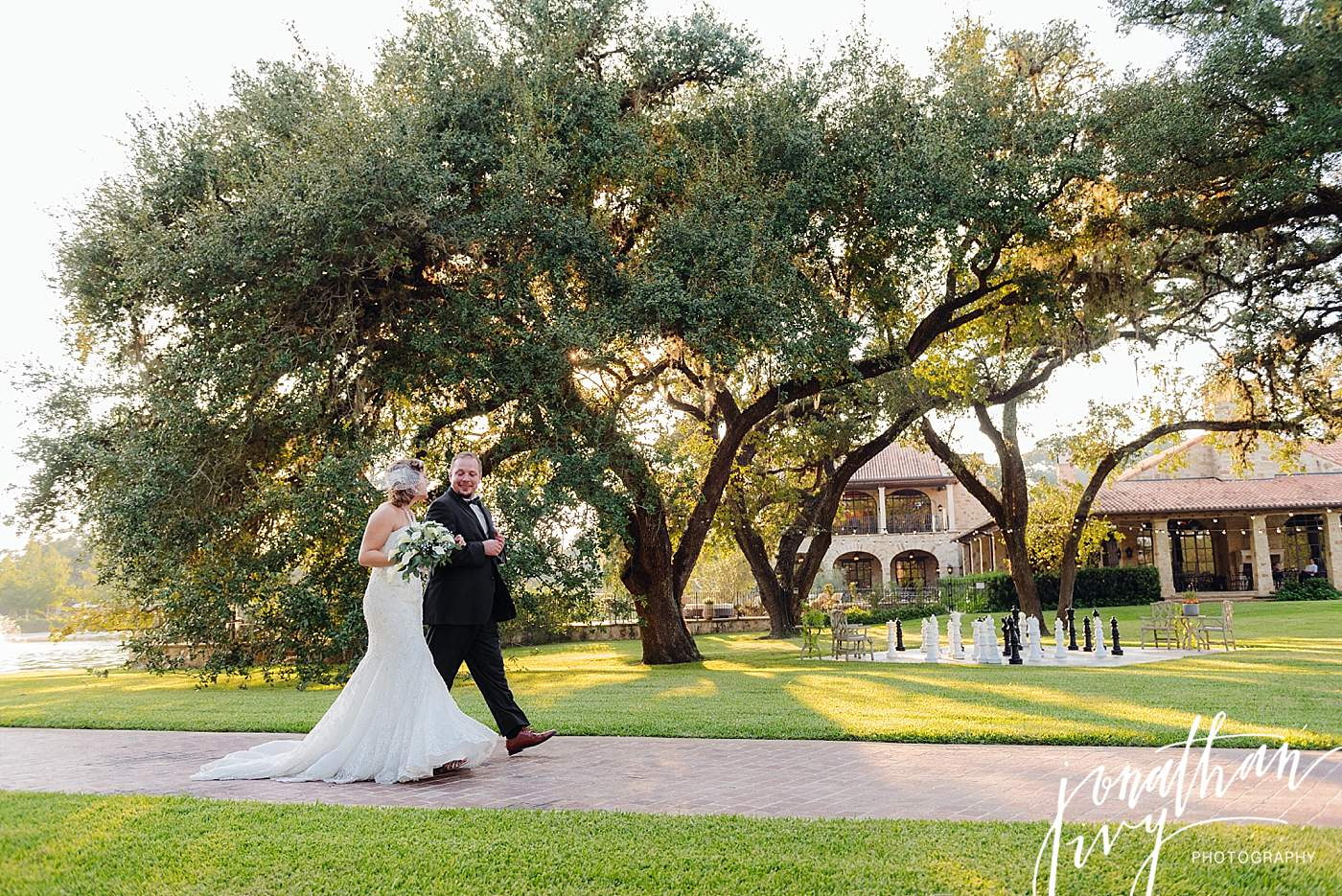 Outdoor Wedding At Houston Oaks Country Club: Houston Oaks Country Club Wedding