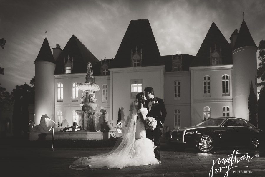 Bride and Groom Rolls Royce Chateau Cocomar