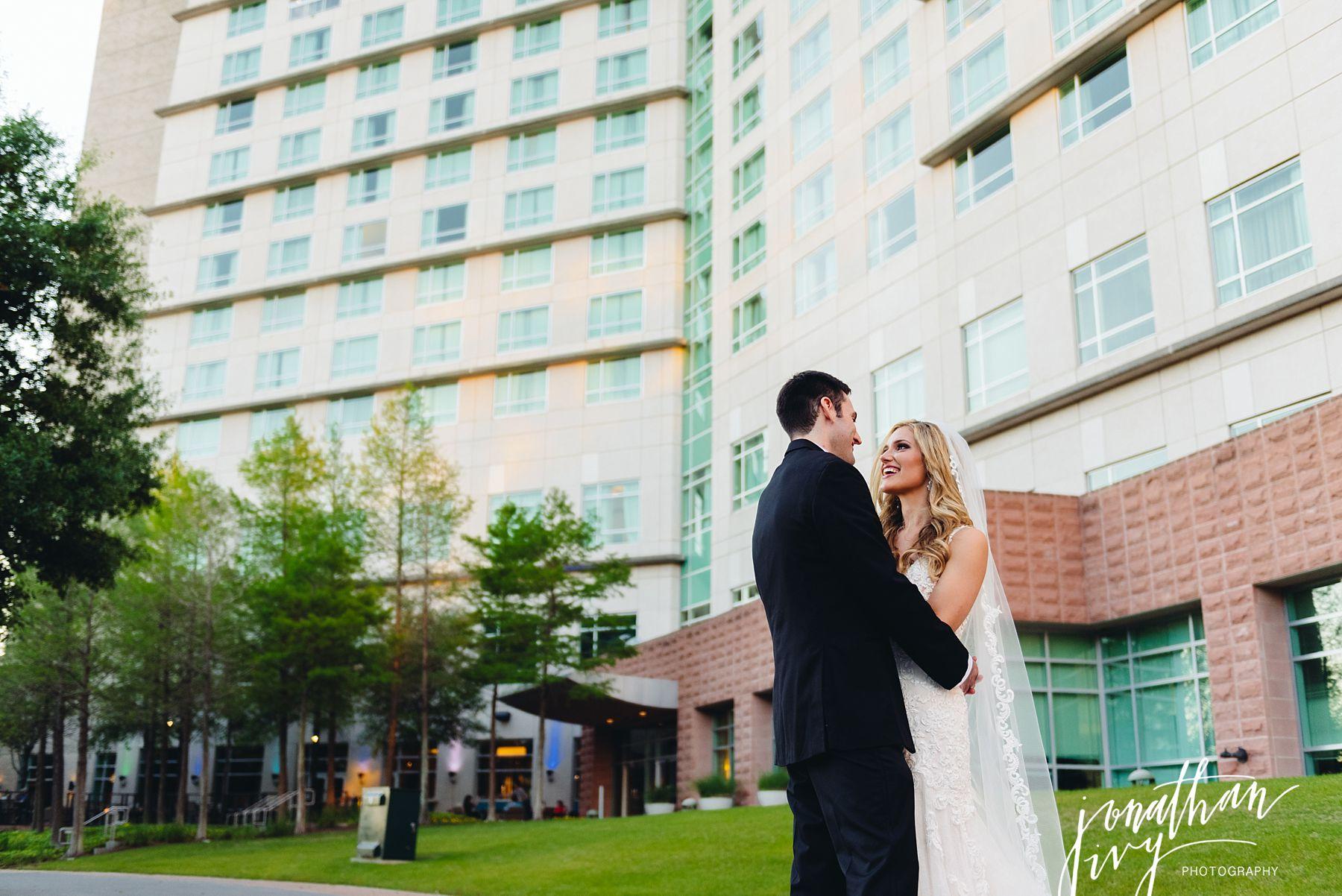 The Woodlands Marriott Waterway Wedding Photographer