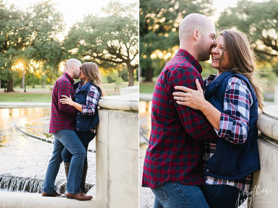 Fall Engagement Photos in Texas