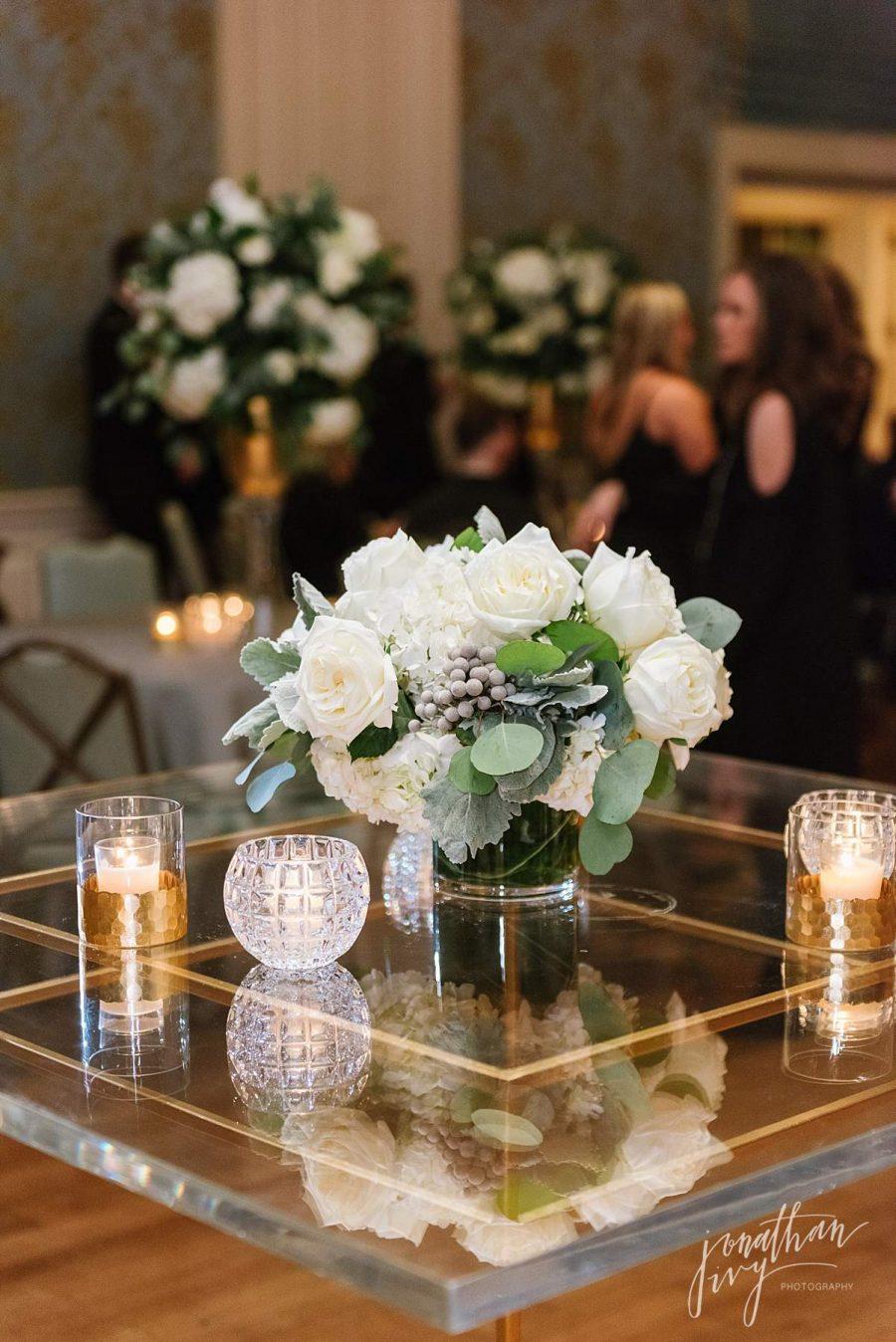 Art Deco White Green Bar Table Design Ideas