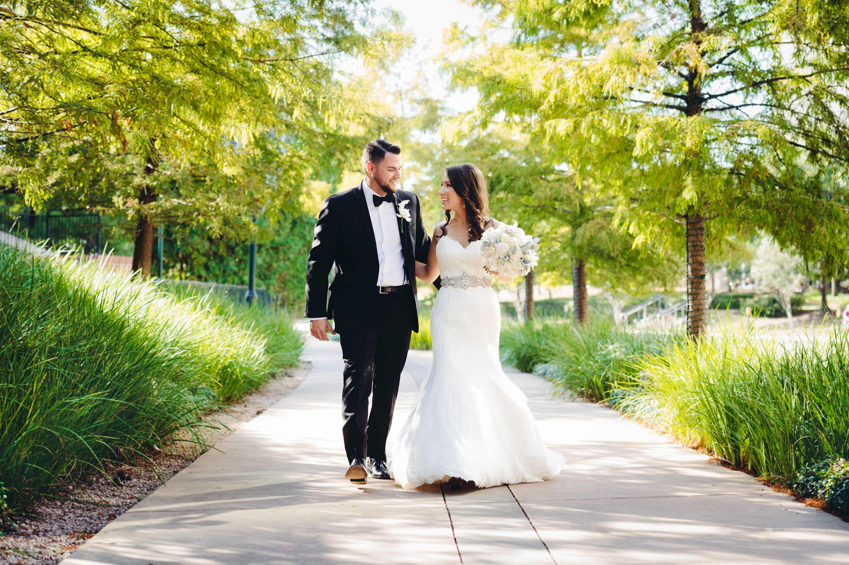 San Antonio Wedding Photographer Bride and Groom Photos