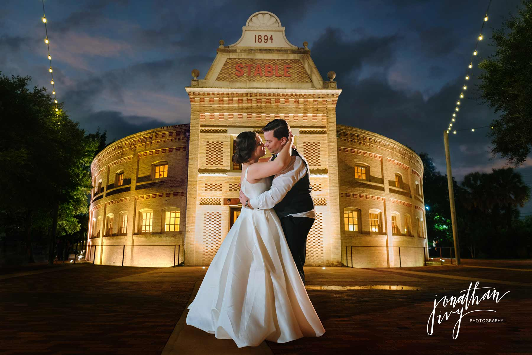 Pearl Stable Wedding in San Antonio, TX – Mr & Mrs Tropp