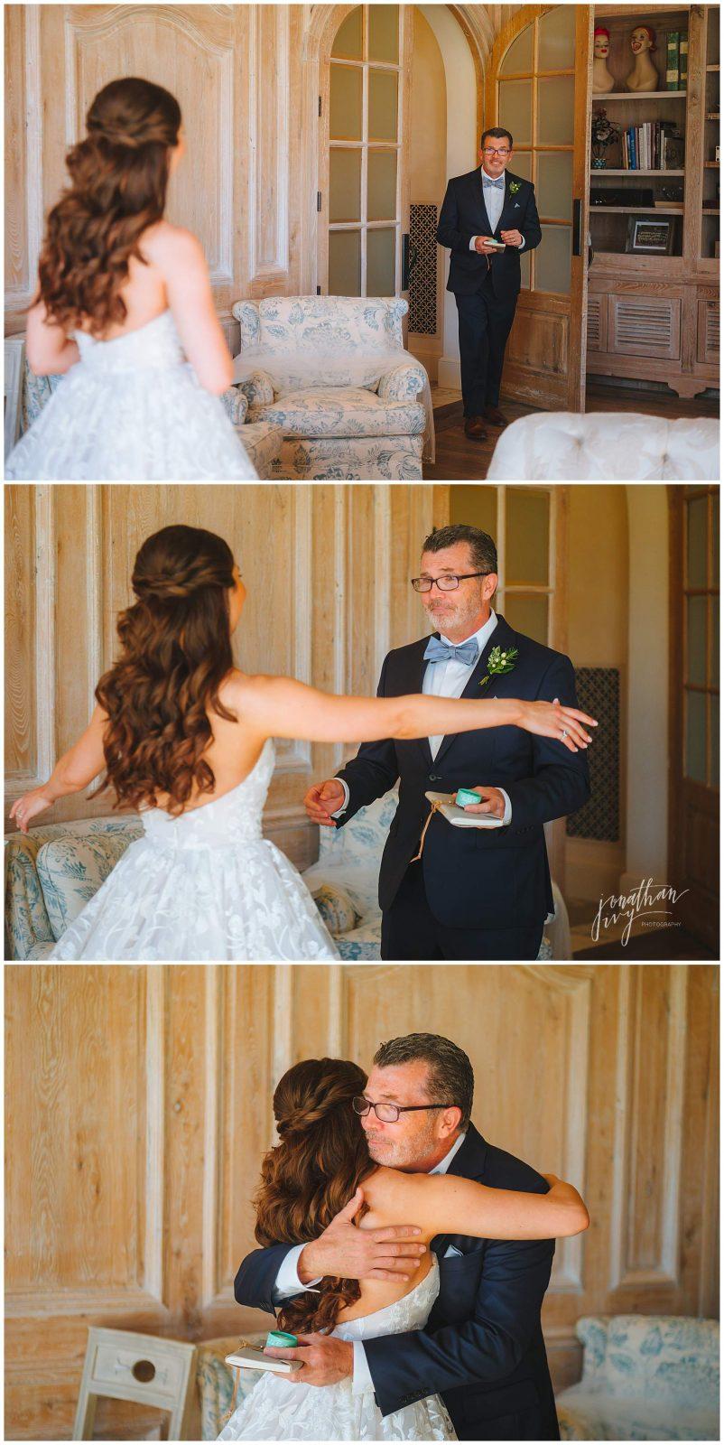 brides 1st look with dad